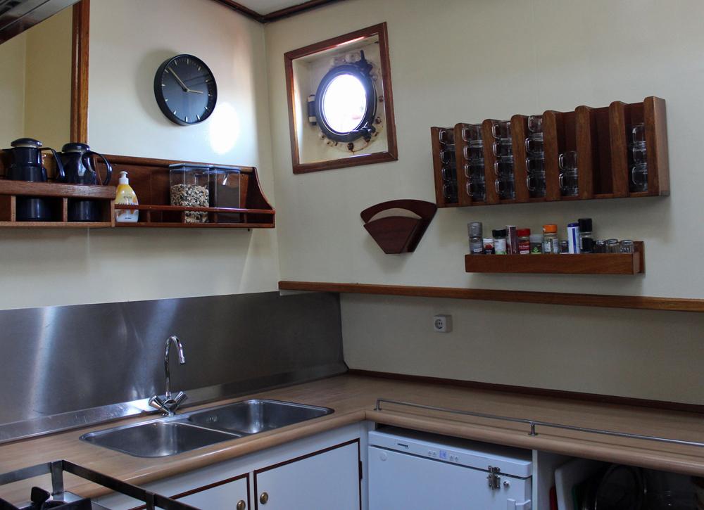 Ausstattung Banjaard | An Deck, Kabinen, Küche, Salon